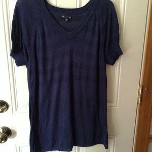 Gap v neck short sleeve lightweight top